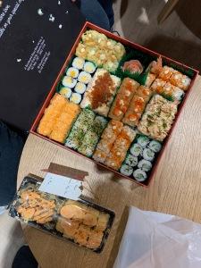 Makan Sushi Bersama di Academy
